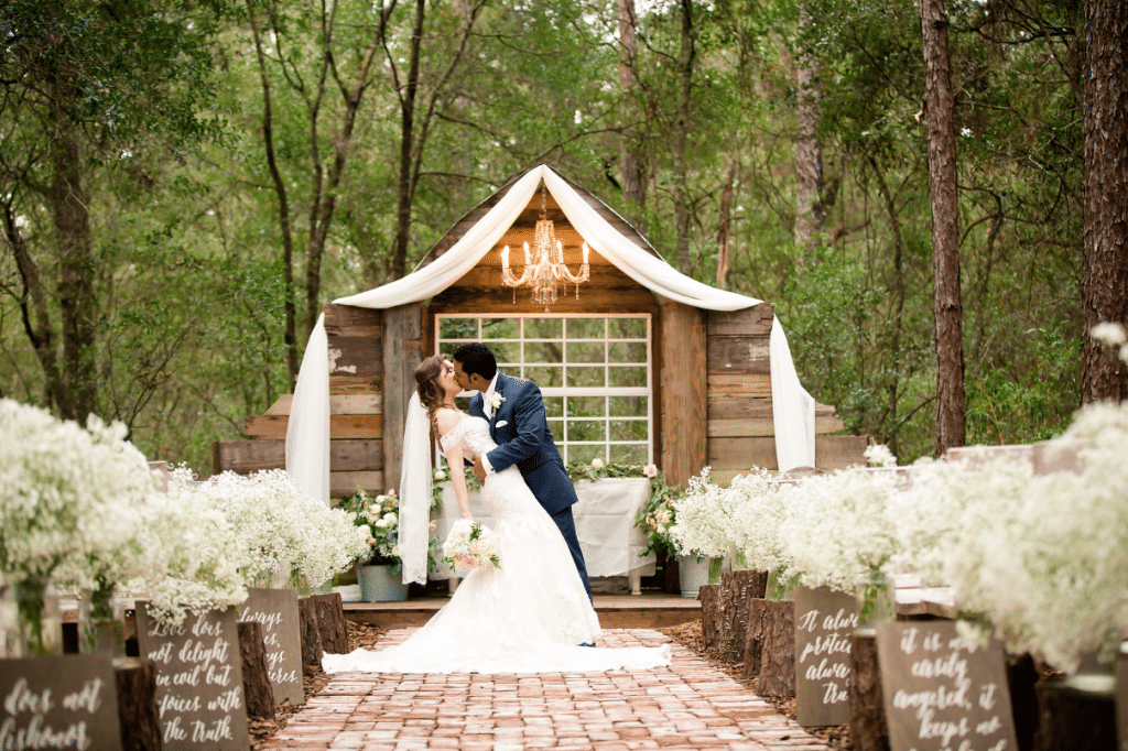 Bridle Oaks Barn - romantic outdoor wedding venue