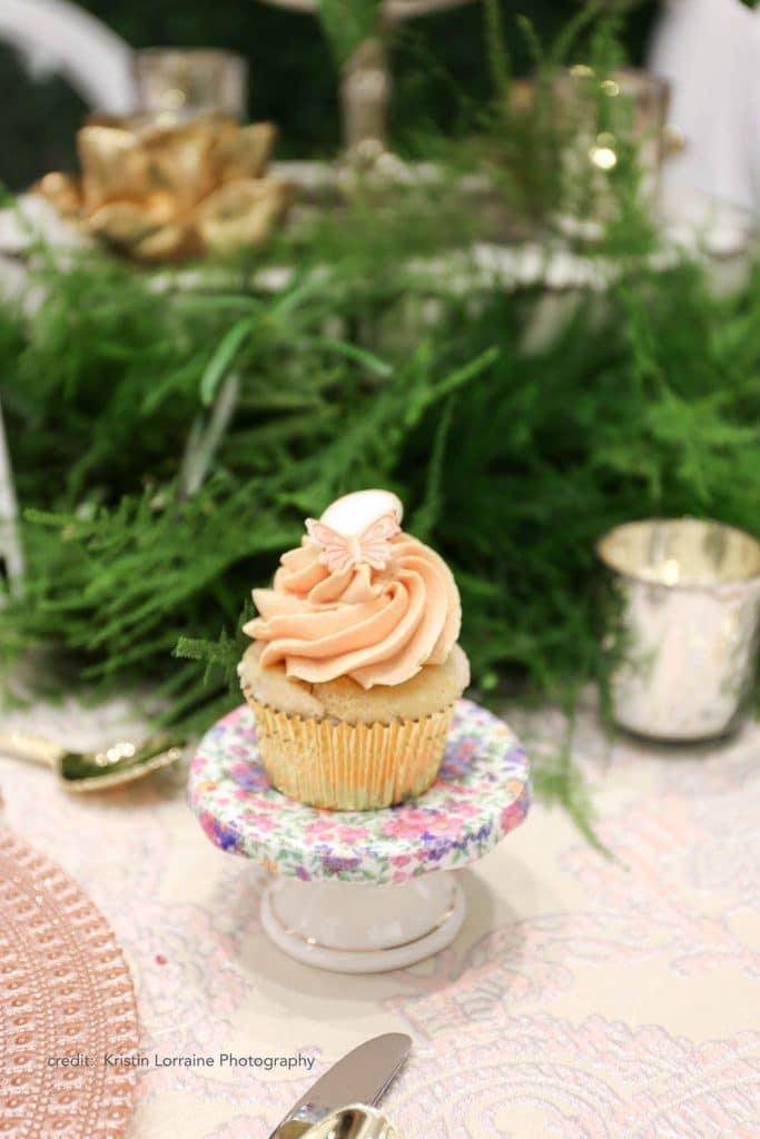 Caribe Royale - cupcake on stand at reception table