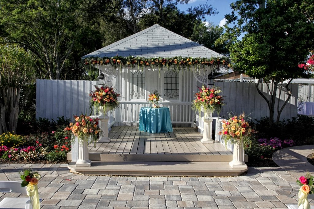 Celebration Gardens Orlando - simple, small outdoor ceremony space