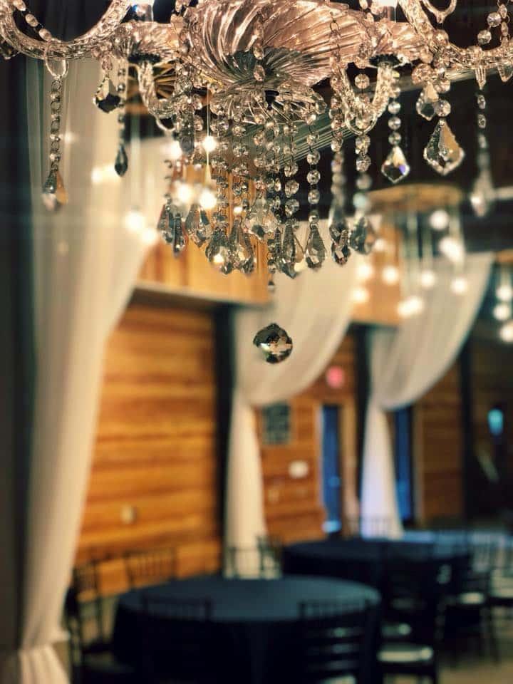 Club Lake Plantation - crystal chandelier