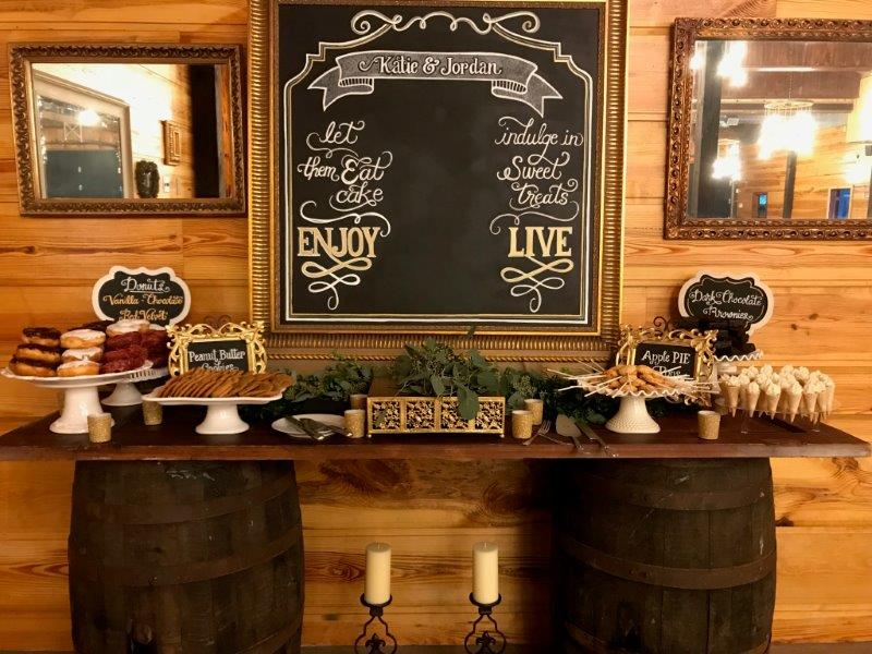 Club Lake Plantation - chalkboard display at dessert table