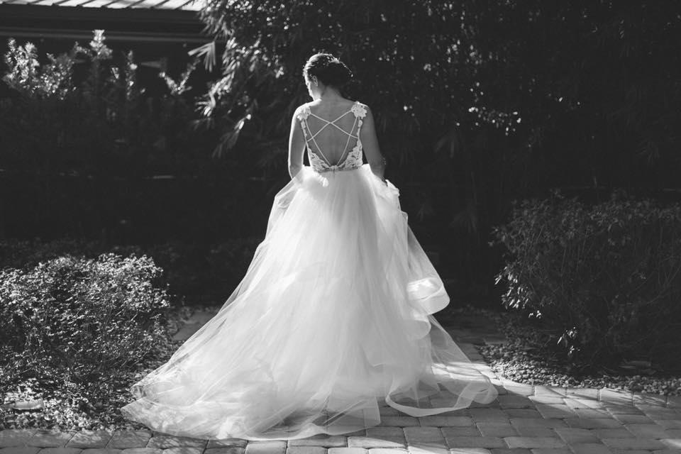 Club Lake Plantation - bride with gorgeous ballgown
