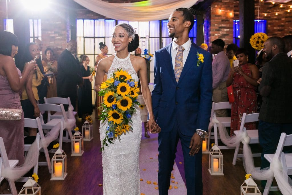 Hub 925 - bride with stunning sunflower bouquet