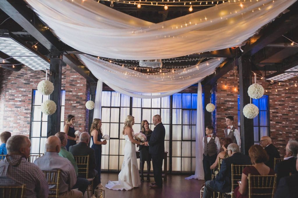 Hub 925 - modern chic indoor ceremony space