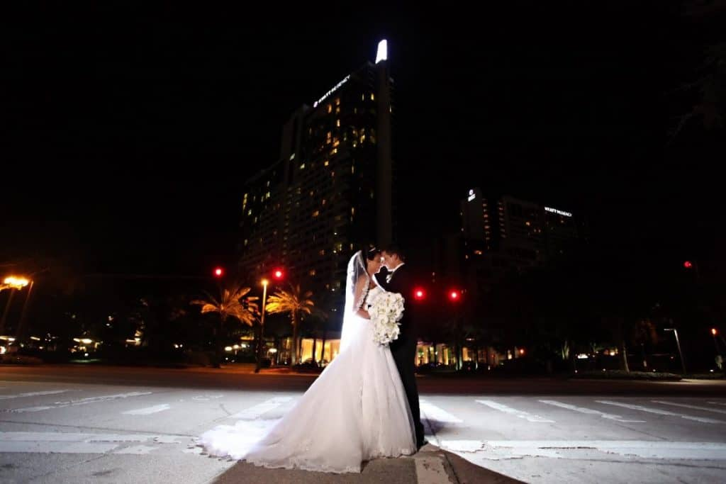Hyatt-Regency-Orl- Couple kissing outside at night under stars