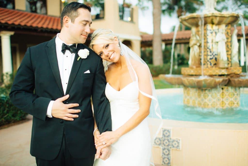 bride and groom fountain plaza de la fontana at mission inn resort