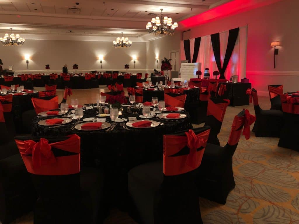 Renaissance-Orlando-Hotel-Airport-Indoor reception with black, red and white accented colors
