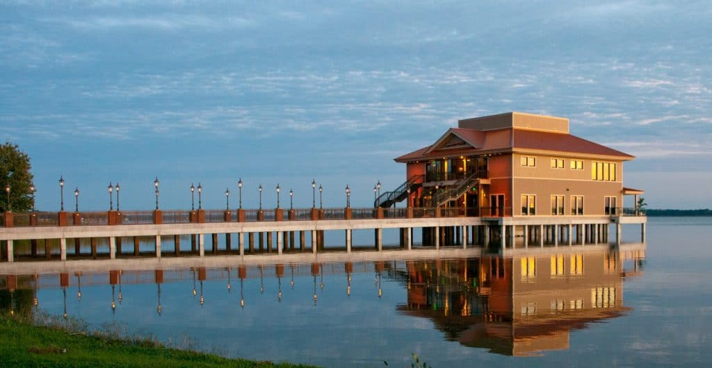 Tavares-Pavilion-on-the-Lake- Outside view of venue