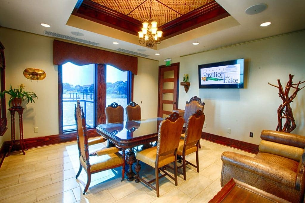 Tavares-Pavilion-on-the-Lake-Inside seating area with tv
