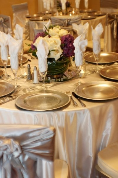 The Florida Hotel and Conference Center - reception table with gold chargers