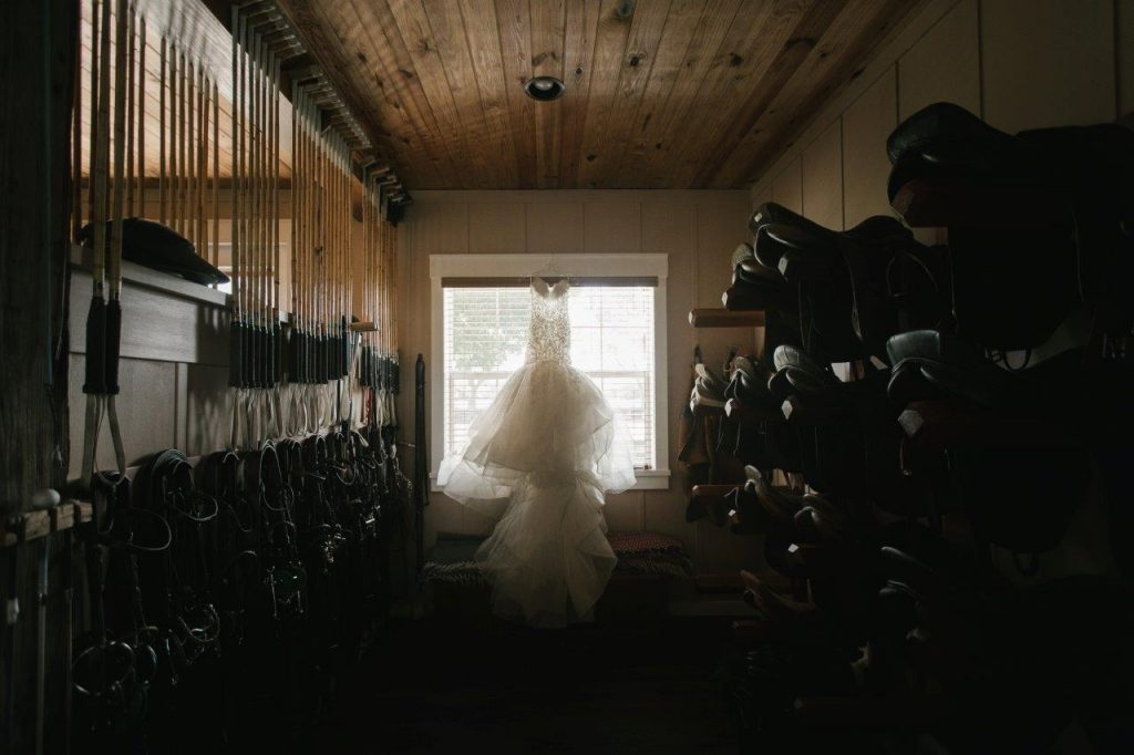 Villages Polo Club - Beautiful bride in a stable