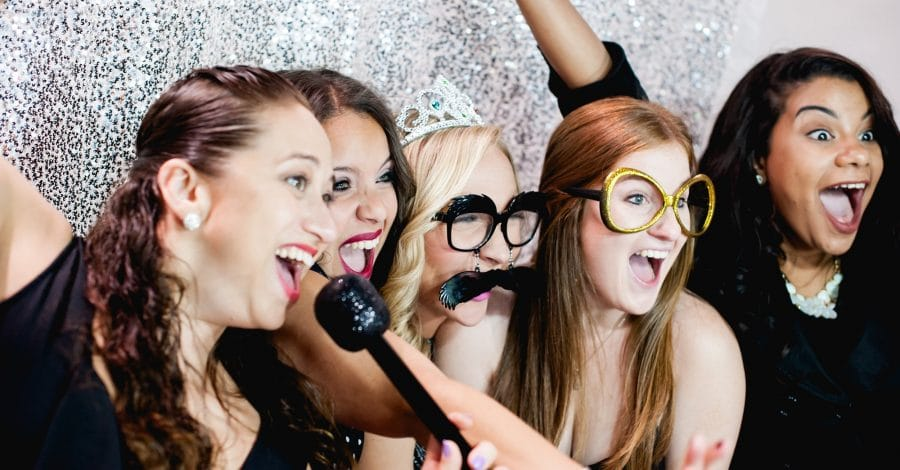 Photobooth Rocks - Everyone loves a photo booth!