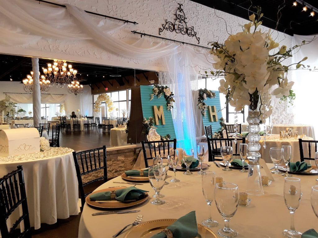 Rhythm and Smooth - breathtaking all white reception decor