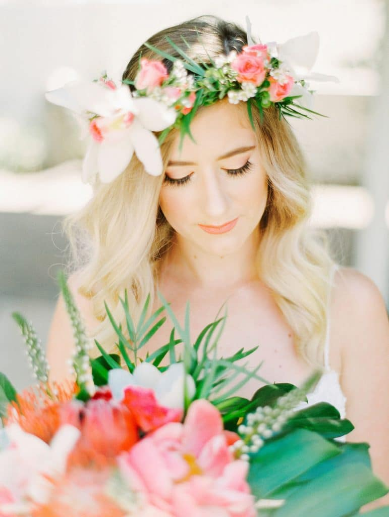 Atmospheres Floral - bride with bouquet and matching flower crown