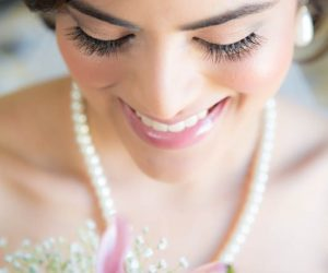 Hair & Makeup / Beauty - bride with long eyelashes and subtle makeup