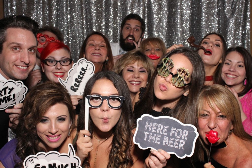 Party Shots Orlando - Open air photo booths fit way more people!
