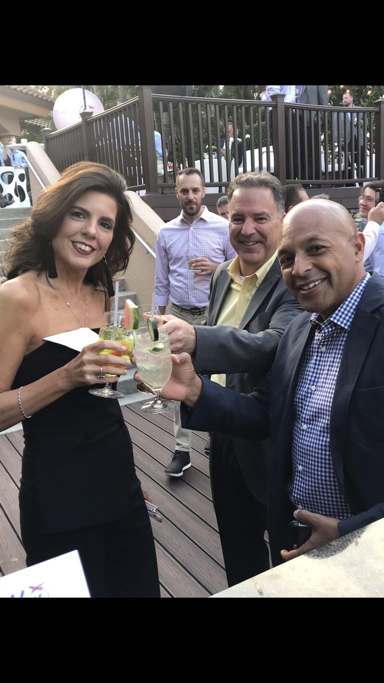 Bar-tini Orlando - wedding guests toasting