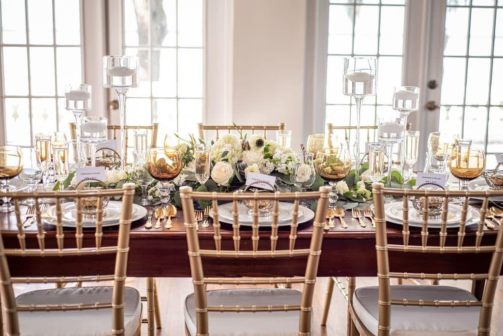 Bella-Cosa-Lakeside-Table setting