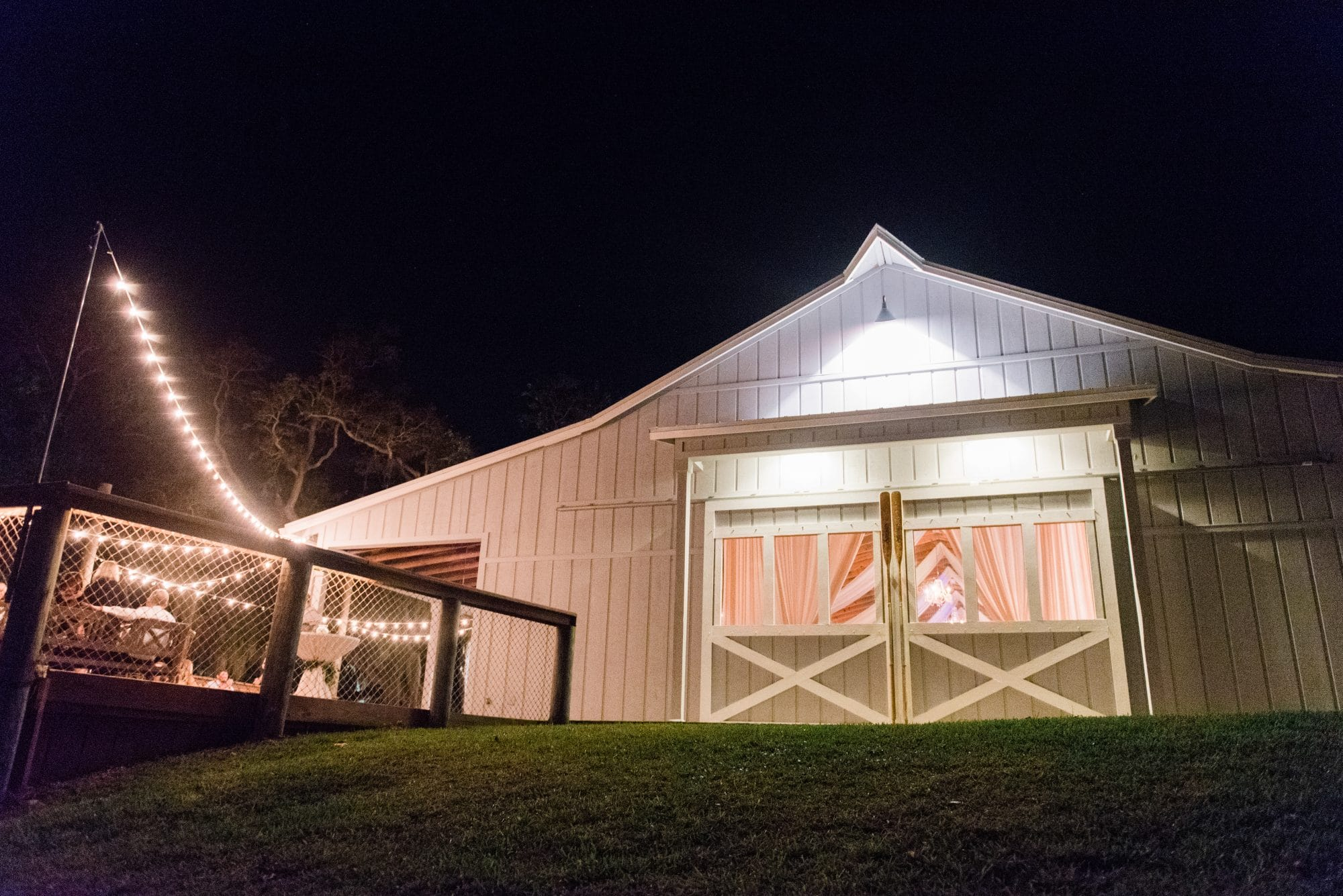 beautiful white wedding barn at Up the Creek Farms