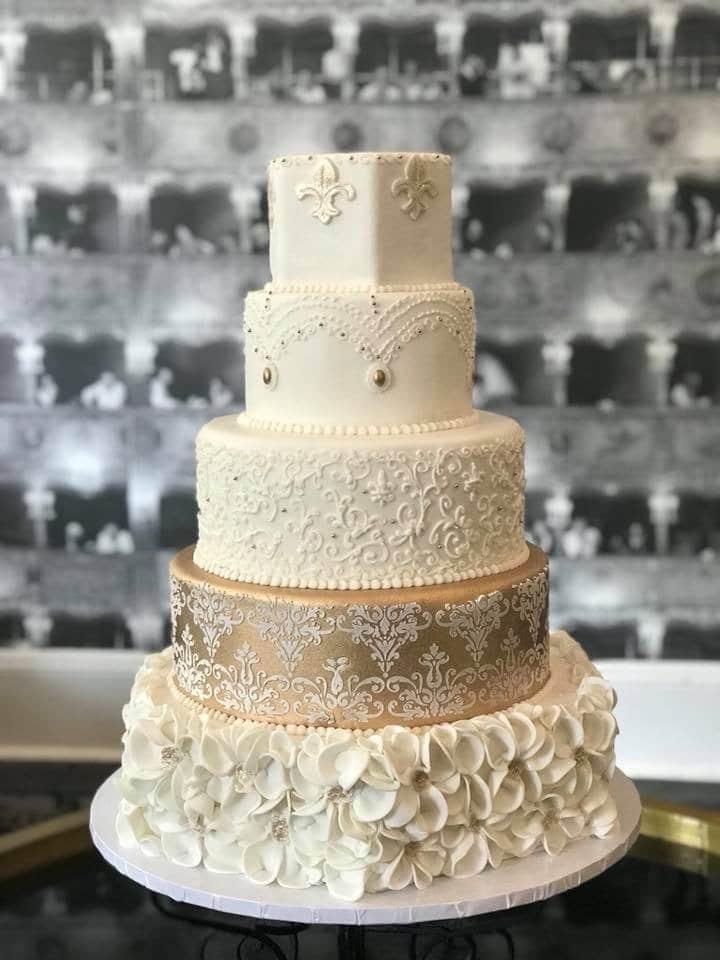 Cake & Bake - elegant white and gold wedding cake