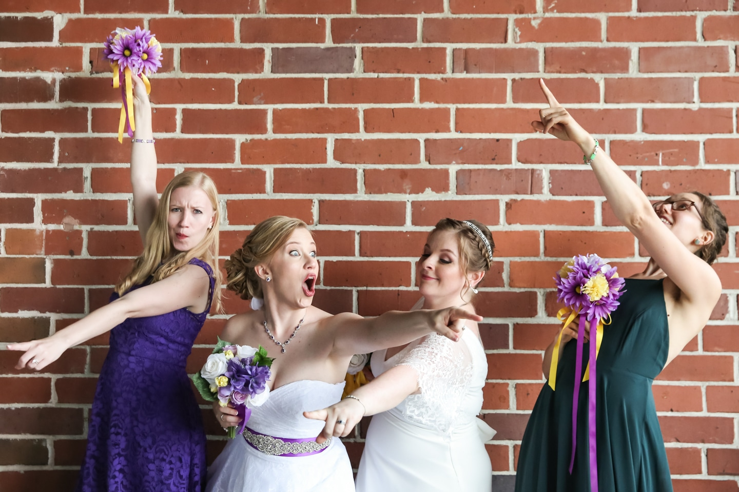 bride & bridesmaids with funny poses