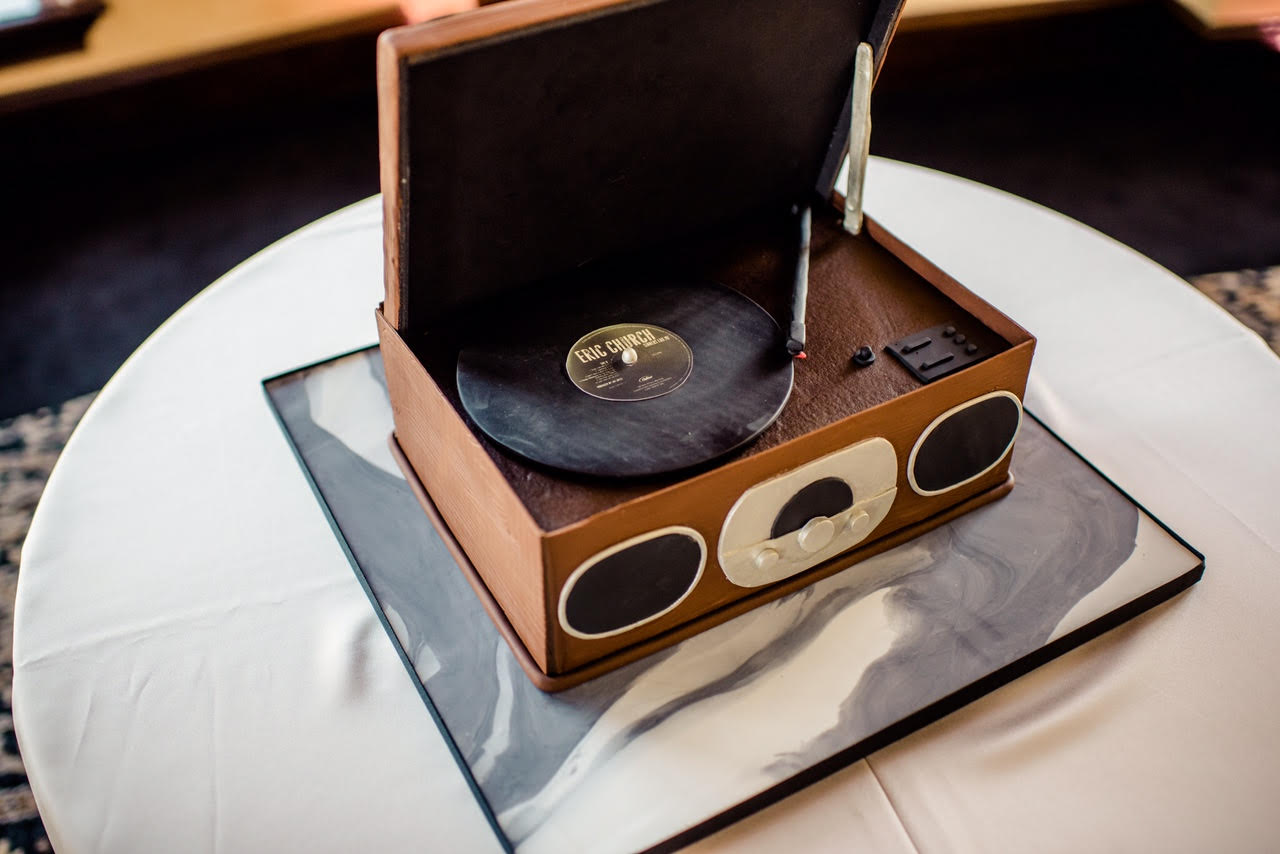 Sugar Sugar Cake Boutique - cake shaped like a record player
