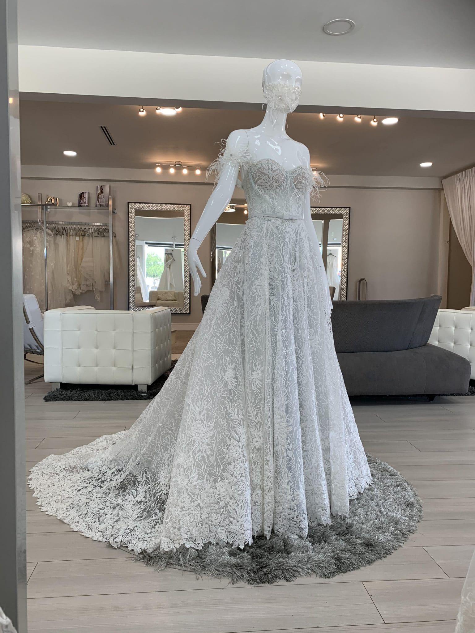 wedding dress with lace bridal mask COVID-19
