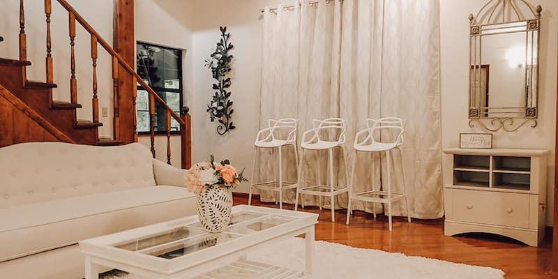 Cypress Creek Farmhouse bridal suite