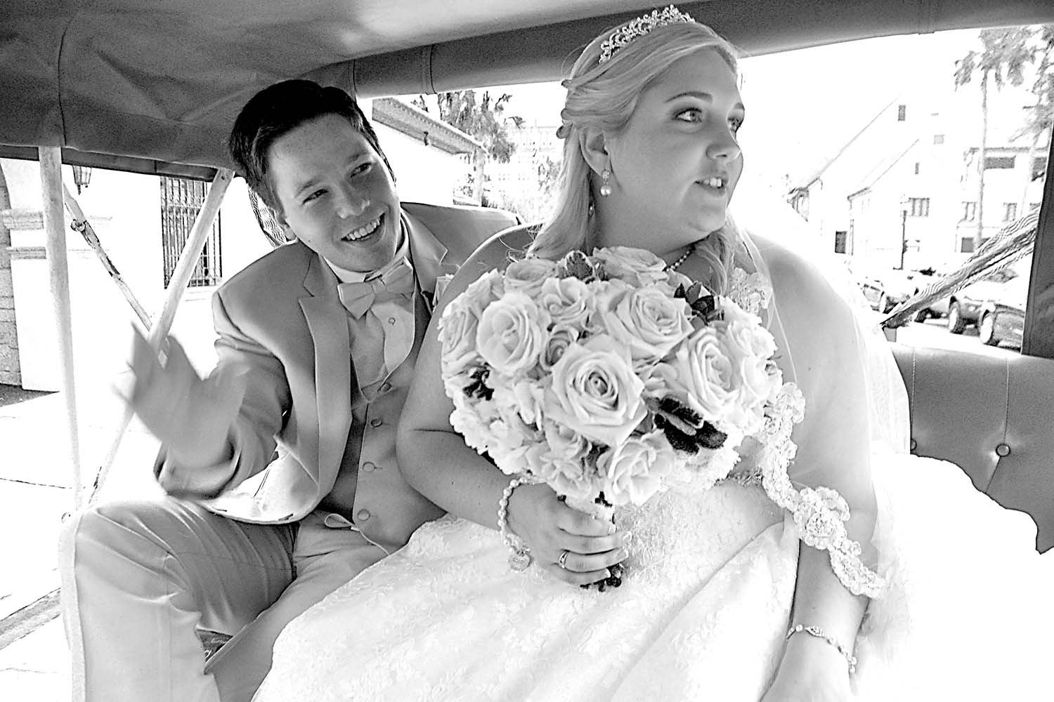 Nadine Nasby Photography, bride and groom saying goodbye from carriage