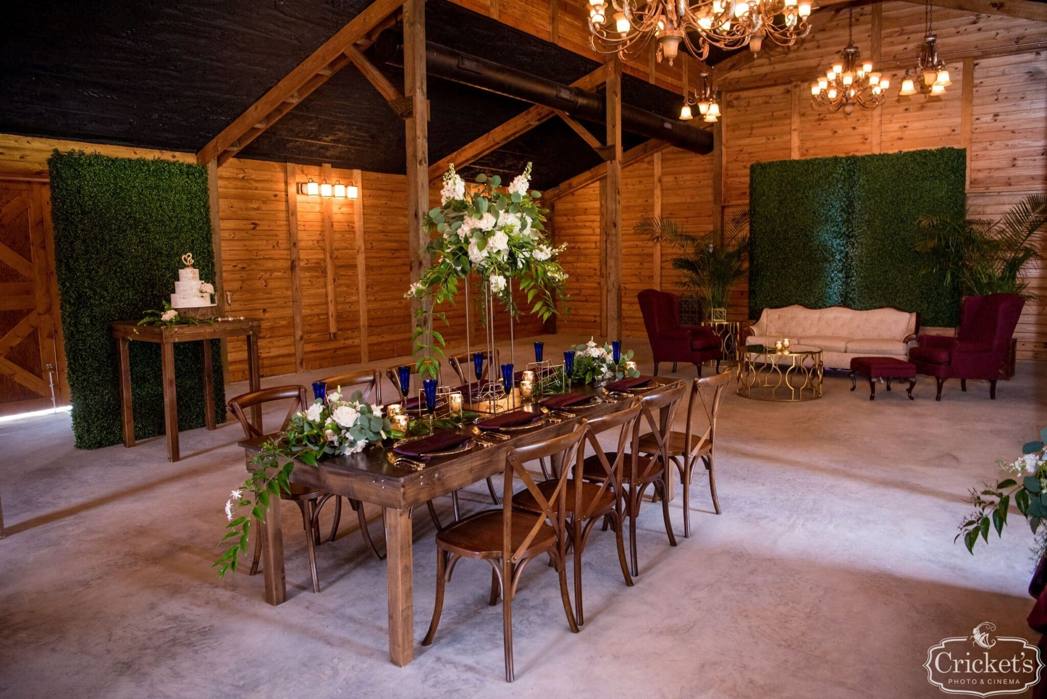 Planning a small wedding at a barn wedding venue in Central Florida
