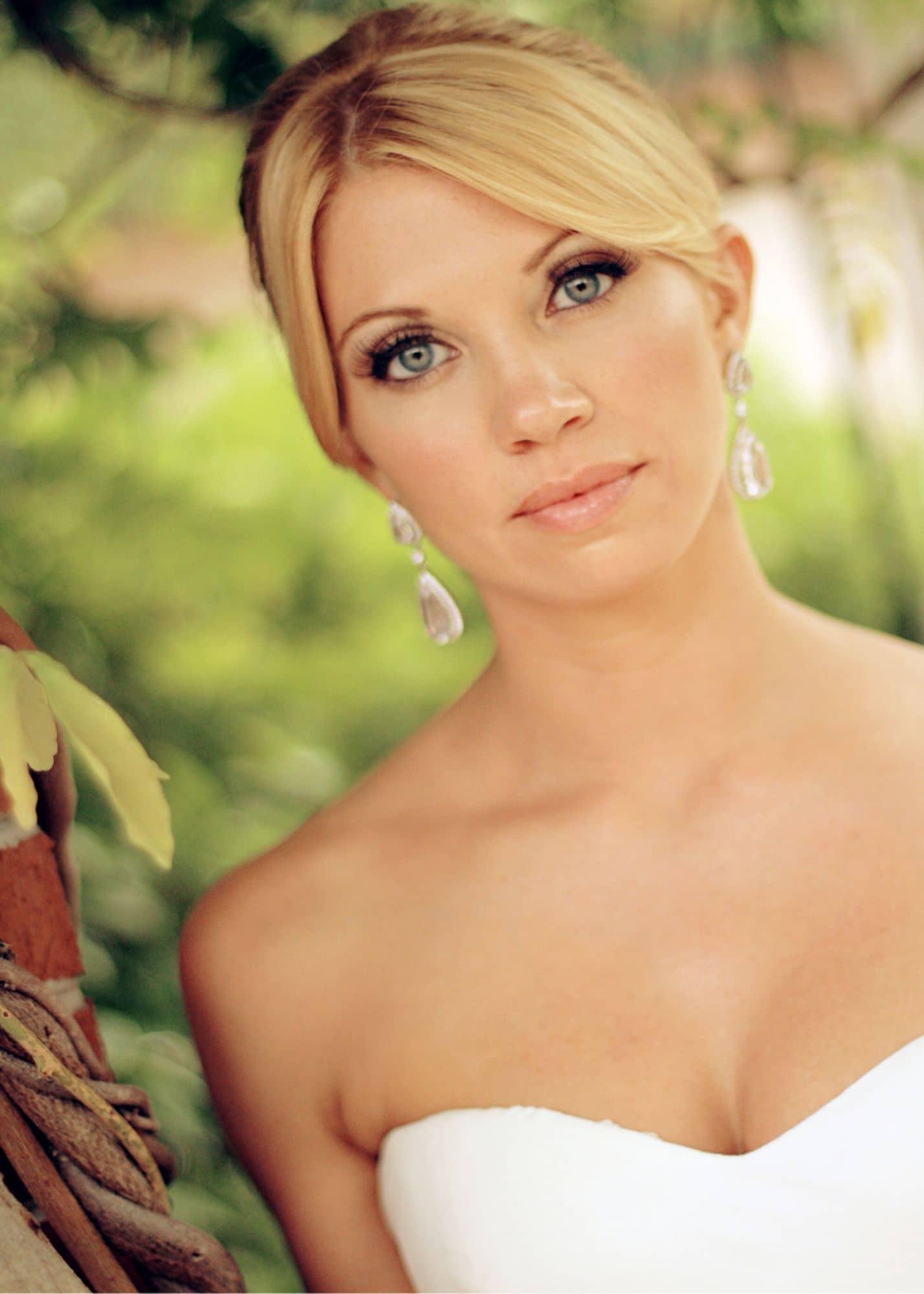 M3 Beauty, close up of bride, light make up