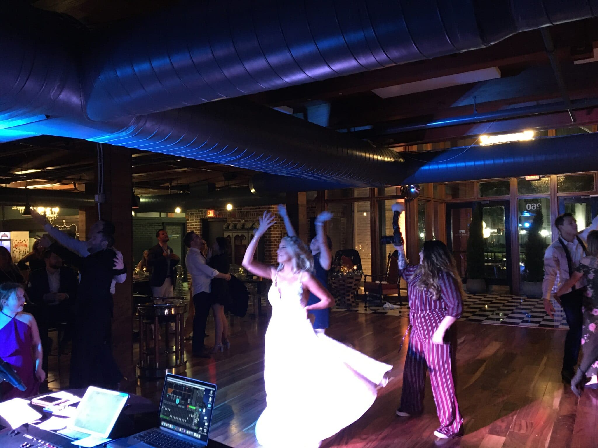 Felix and Fingers Dueling Pianos, bride dancing with guests