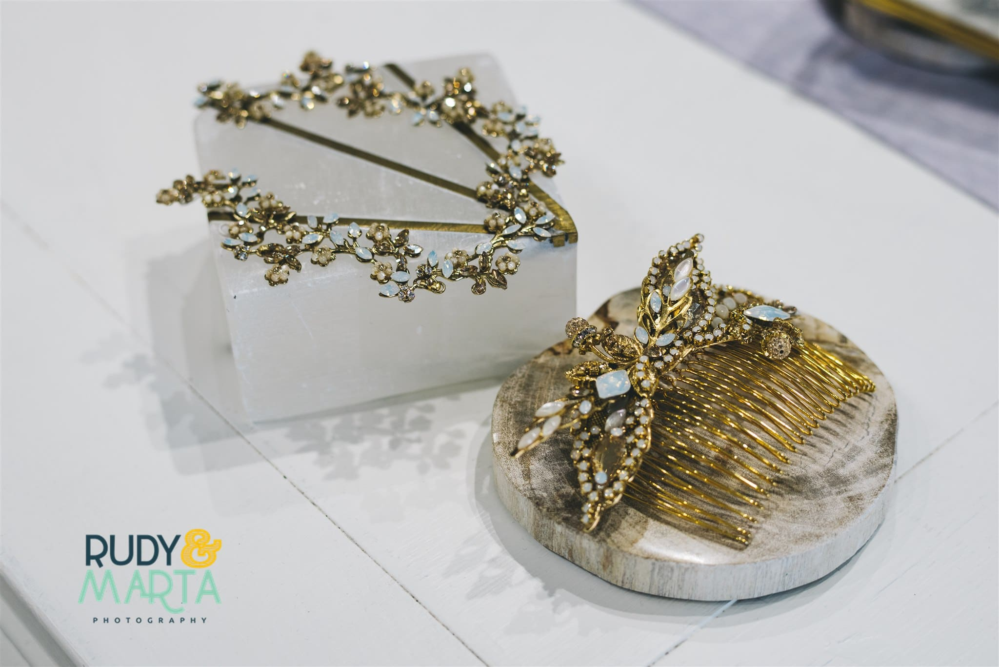 Questions for Wedding Dress Shoppingshould include accessory questions