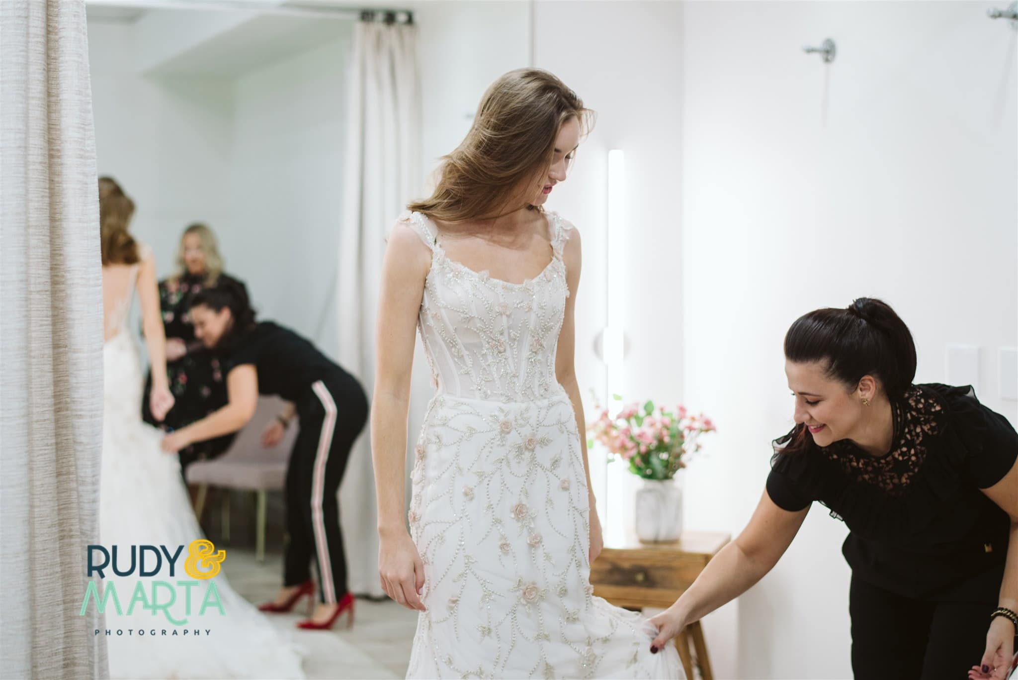 Questions for Wedding Dress Shoppingbeing answered at the bridal finery
