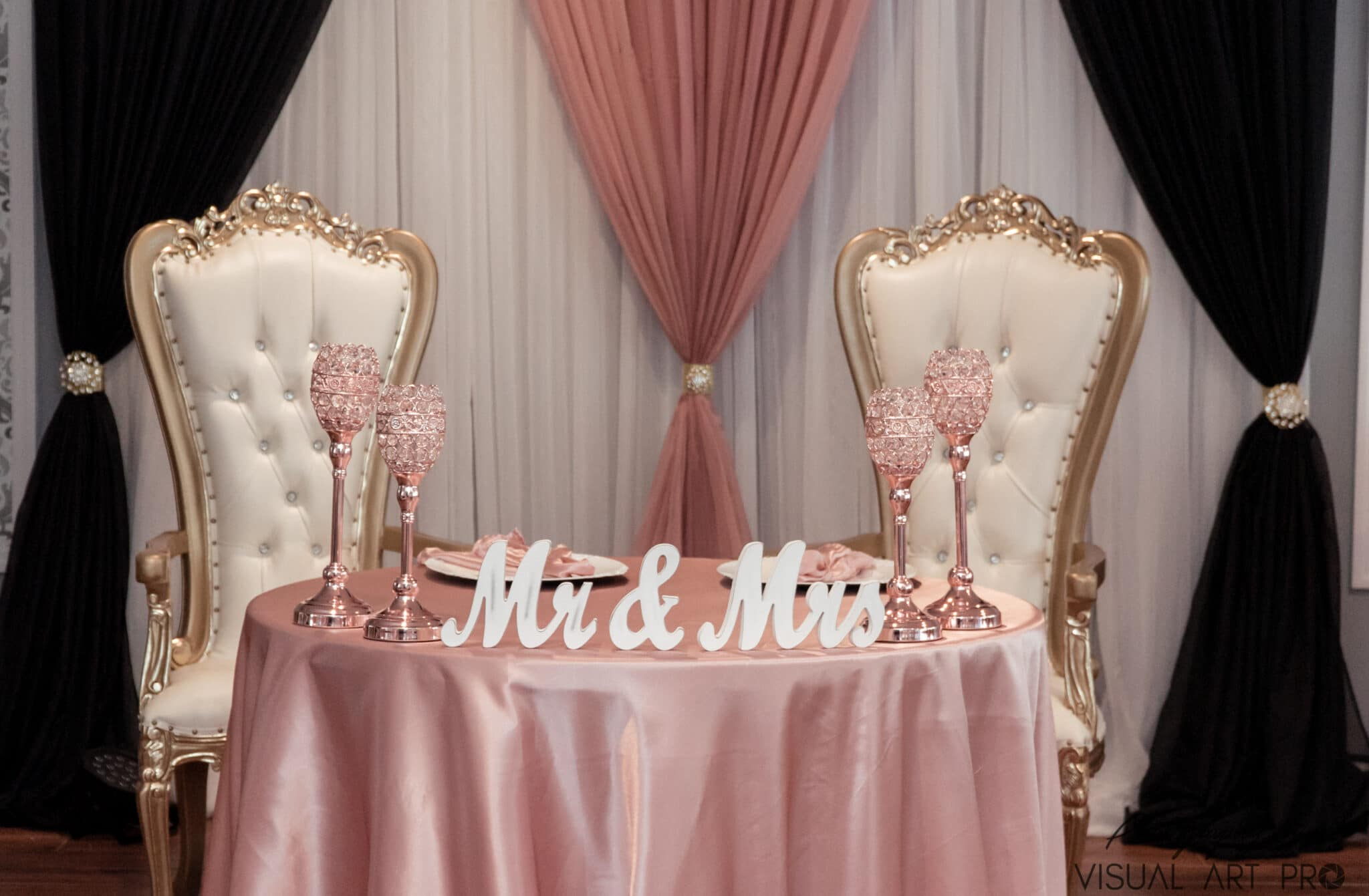 Mr & Mrs pink and white head table