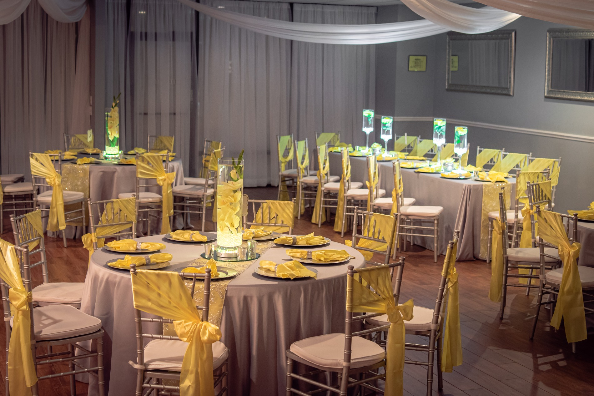 yellow and white table decor