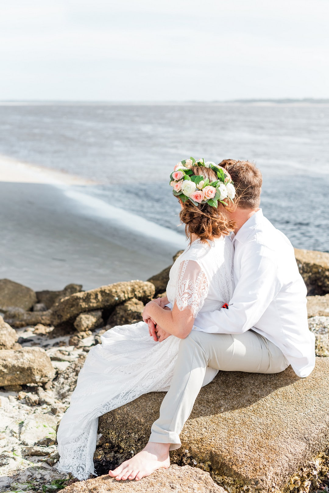 Romantic, Spring Styled Wedding with Horses on the Beach_Christine Austin Photography_©christineaustinphotography_2021_RomanticBeachStyledShoot_Austin+Naomi_21_low