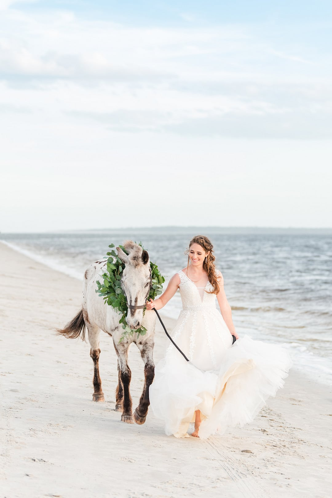 Romantic, Spring Styled Wedding with Horses on the Beach_Christine Austin Photography_©christineaustinphotography_2021_RomanticBeachStyledShoot_Horses_70_low
