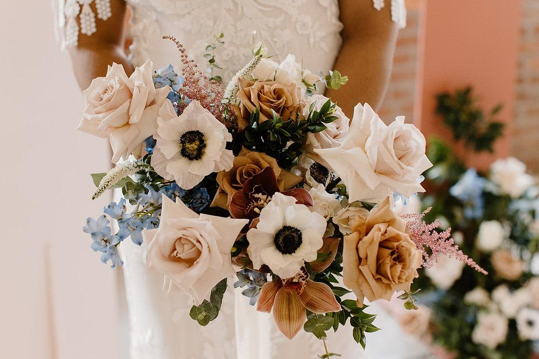 the bride's bouquet for the urban loft wedding inspiration.